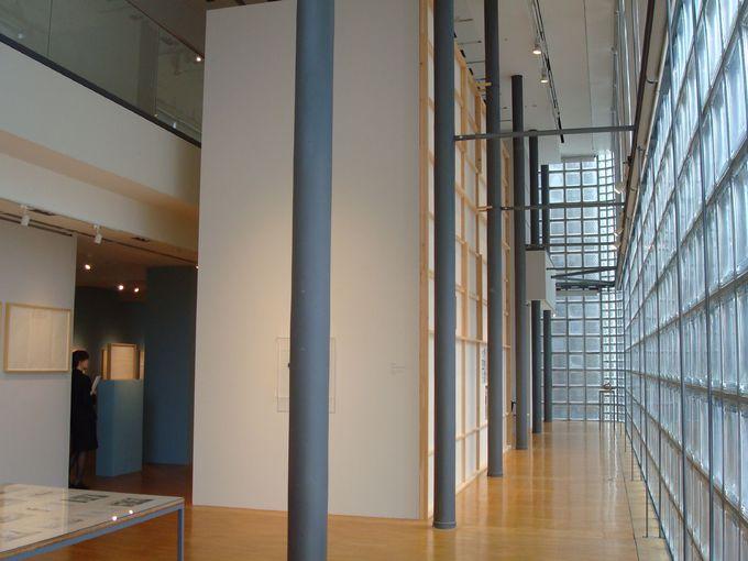 ガラスブロックの異空間「銀座メゾンエルメス フォーラム」