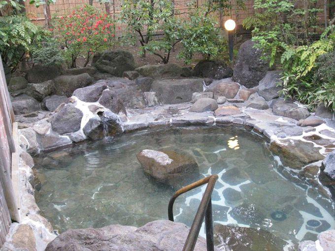 回廊を抜けた先の露天風呂