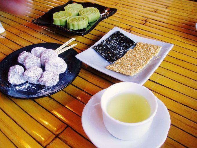 台湾茶とお茶菓子で疲れも吹っ飛ぶ!