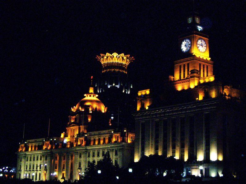 上海の黄浦江遊覧船ナイトクルーズで、心もときめく素敵な夜