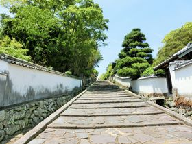 大分県杵築・日本唯一の「サンドイッチ型城下町」ってなんだ!?|大分県|トラベルjp<たびねす>