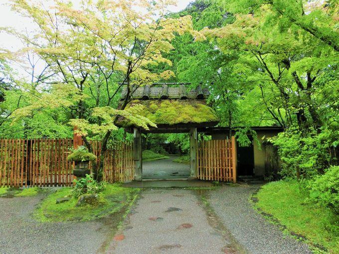 金鱗湖畔の名宿「亀の井別荘」