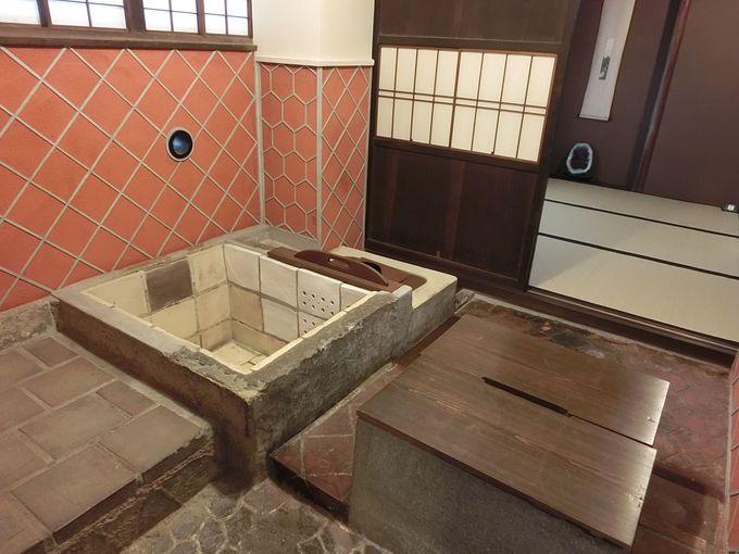 国内最古の「陶板浴槽」