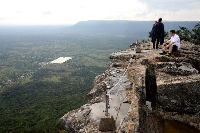 誰もが必ず息を呑む!頂上に広がるパノラマ絶景