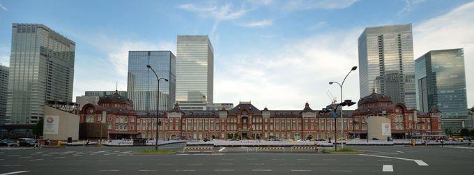 復元され、重厚さを増す東京駅丸の内側