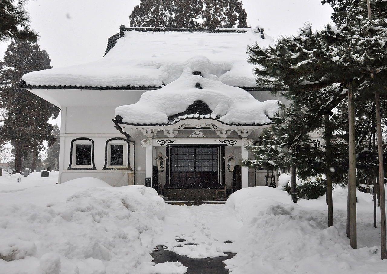 大雪の中に浮かび上がる昭和の風情… 福島県喜多方市の酒蔵を訪ねて