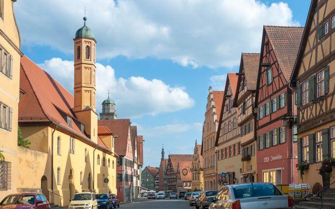 ロマンチック街道におとぎの街が!中世ドイツ時代を色濃く残す「ディンケルスビュール」(ドイツ)