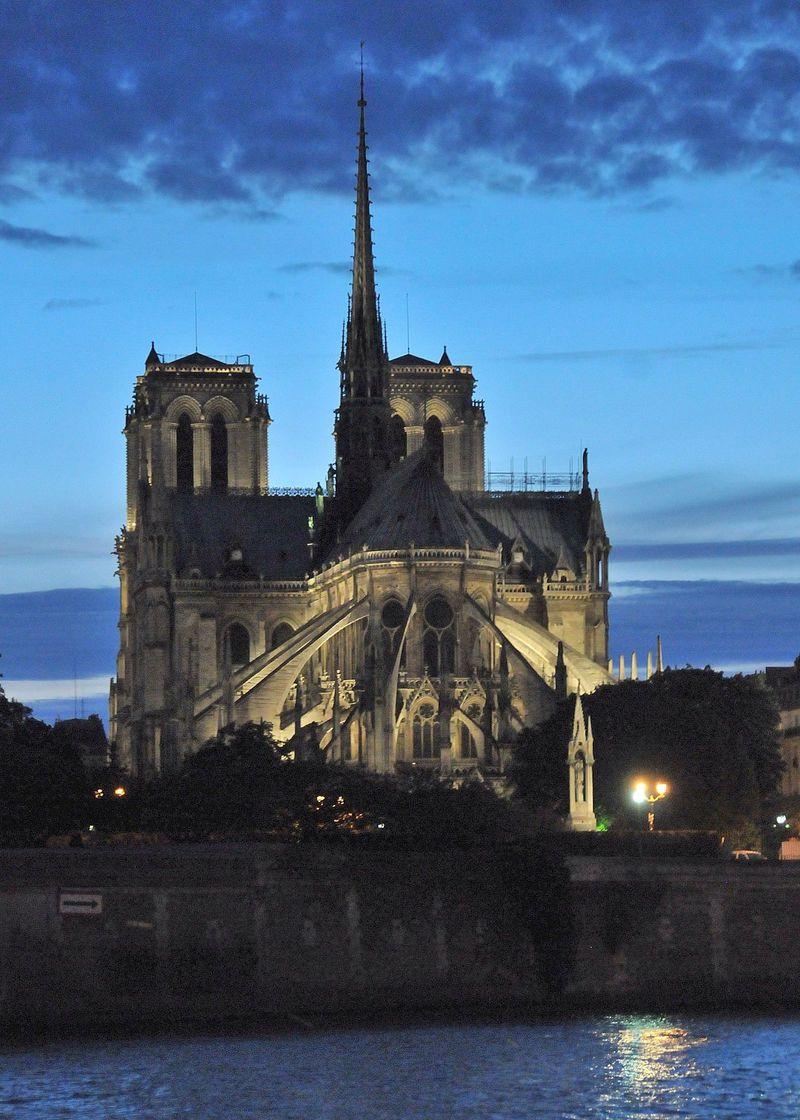 パリ・セーヌ河岸のナイトクルーズと夜景散策のビューポイントお勧めどころ