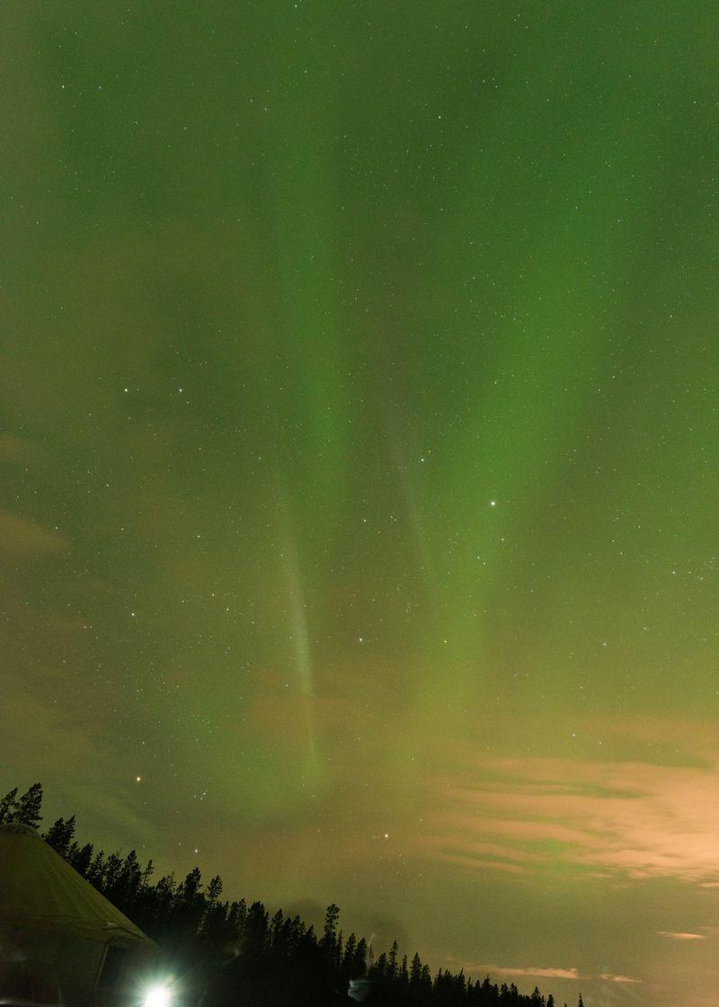冬の夜空の「Northen Lights」カナダのオーロラ鑑賞スポットをご紹介