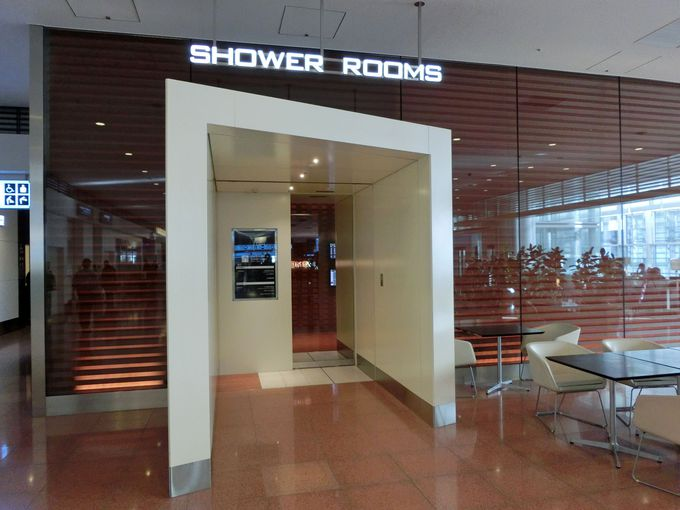 【2階 到着ロビー】一汗流して気分さっぱり♪シャワールーム!