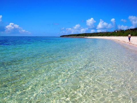 海と砂浜と青空!沖縄離島の美ビーチ10選