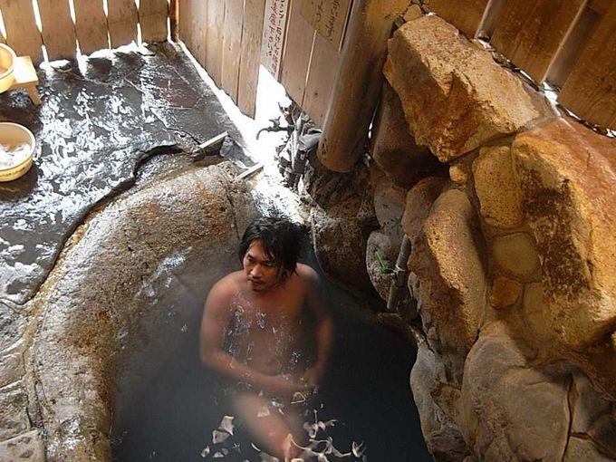 世界遺産登録の唯一入湯できる貴重な「つぼ湯」