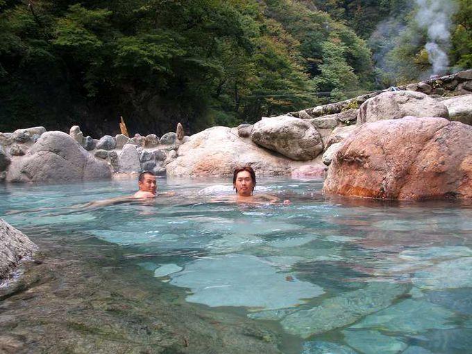大自然に抱かれて・・・至福の大露天風呂