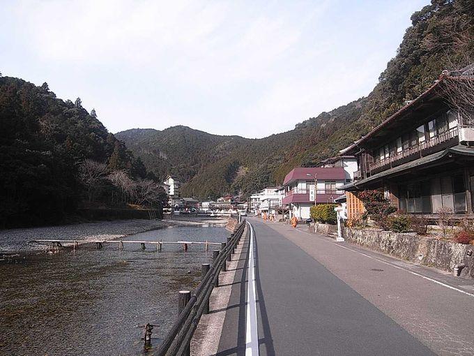 熊野本宮に程近い温泉地「川湯温泉」