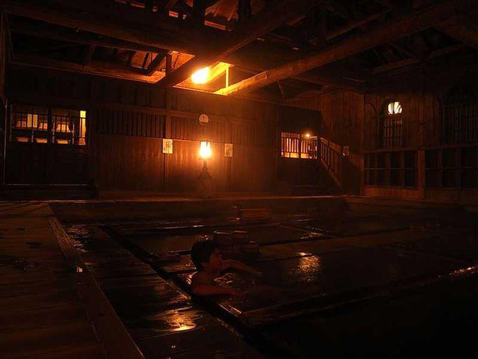 ルシウスと真実がお風呂に入っている印象的なエンドロール!法師温泉「長寿館」