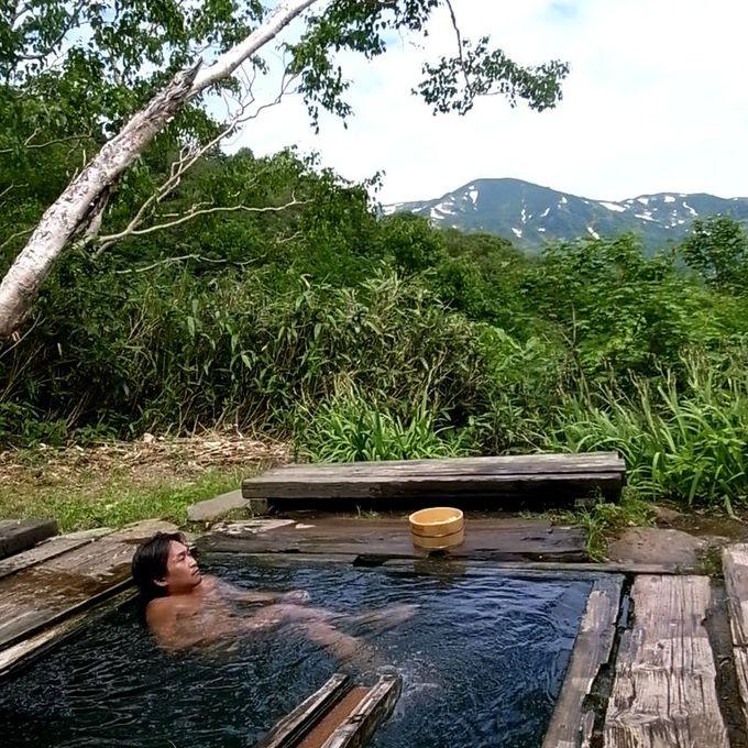まずは1つ目の露天風呂「黄金湯」へ