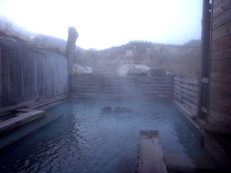 まずは本館の大浴場の露天風呂へ