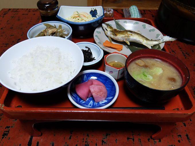 部屋と食事