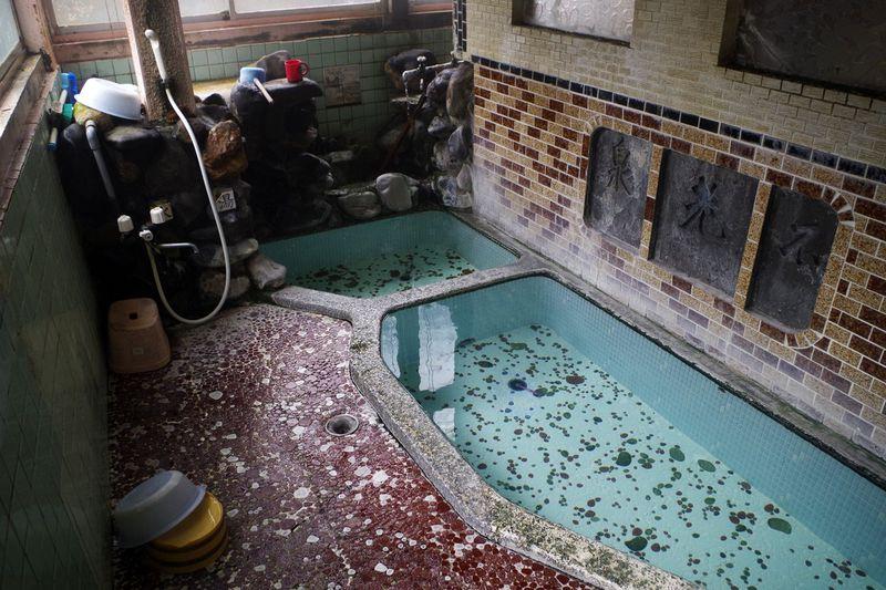 鄙びすぎた川内高城温泉「双葉屋」「双葉旅館」で湯治しよう