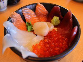 行列のできる超うまい海鮮丼屋はココ!茨城県那珂湊「海門」