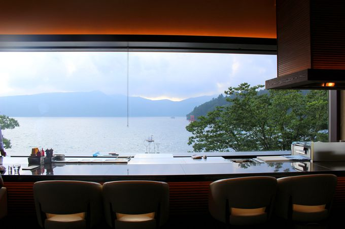 芦ノ湖畔の絶景お洒落カフェ「ベーカリー&テーブル箱根」