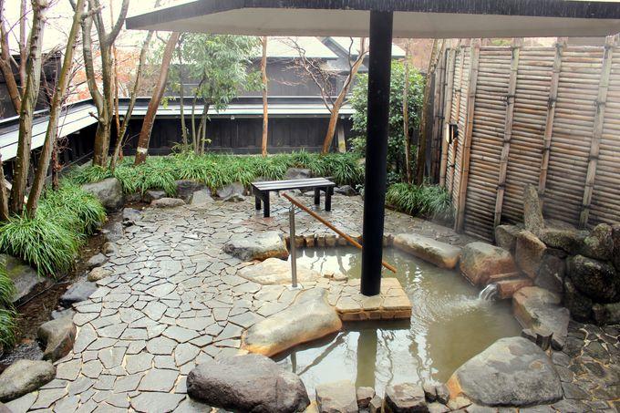 敷地内の源泉を利用した温泉!