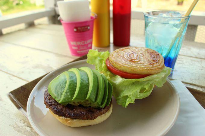 ハンバーガーを食べるなら!「BLUE CORN」と「カフェ彩の森」
