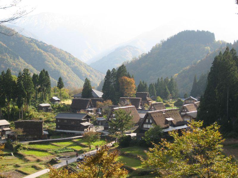 日本の原風景〜富山・五箇山合掌造り集落を巡ろう!和紙づくり体験も