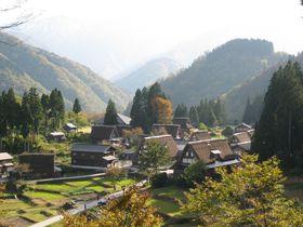 日本の原風景~富山・五箇山合掌造り集落を巡ろう!和紙づくり体験も|富山県|トラベルjp<たびねす>