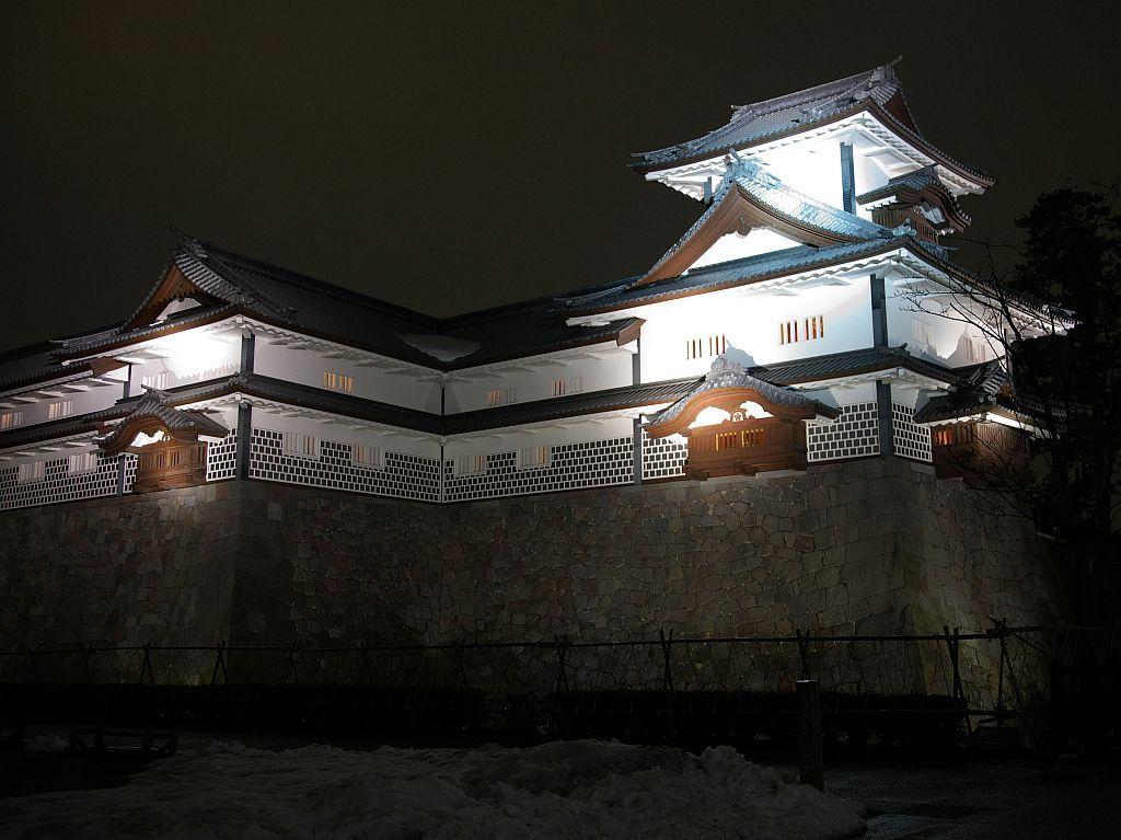 「金沢城公園・兼六園ライトアップ(冬の段)」