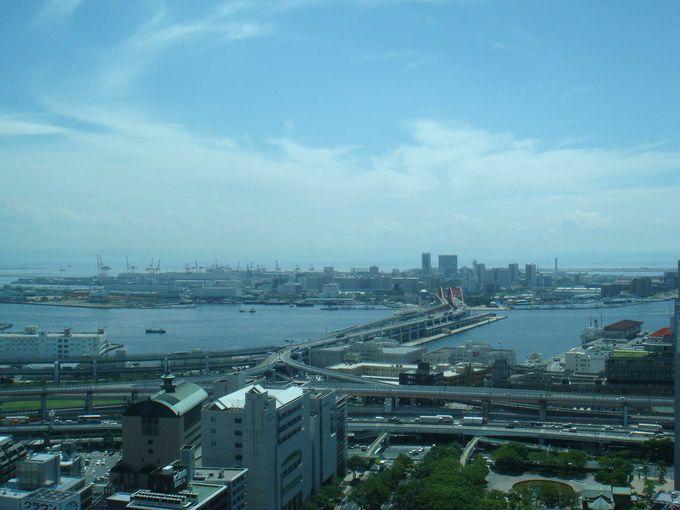 ルミナリエも見える!入場無料「神戸市役所展望ロビー」