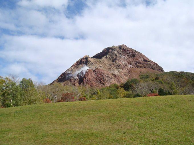 有珠山は、いまも活発に活動を続ける活火山。