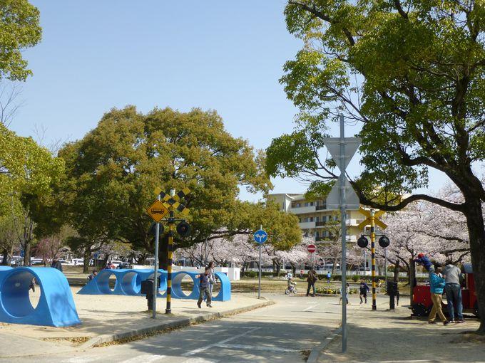 西武庫公園には、「交通公園」という別の姿も。
