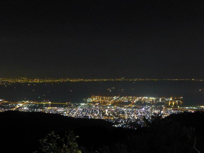 圧巻の輝き!「見晴らしのデッキ」から望む、神戸1000万ドルの夜景。