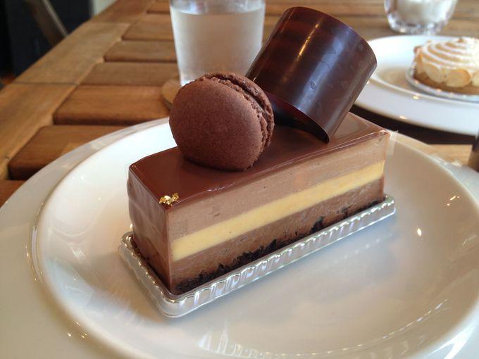 チョコ好きの方は、「 L'AVENUE(ラヴニュー)」で絶品チョコレートケーキを。