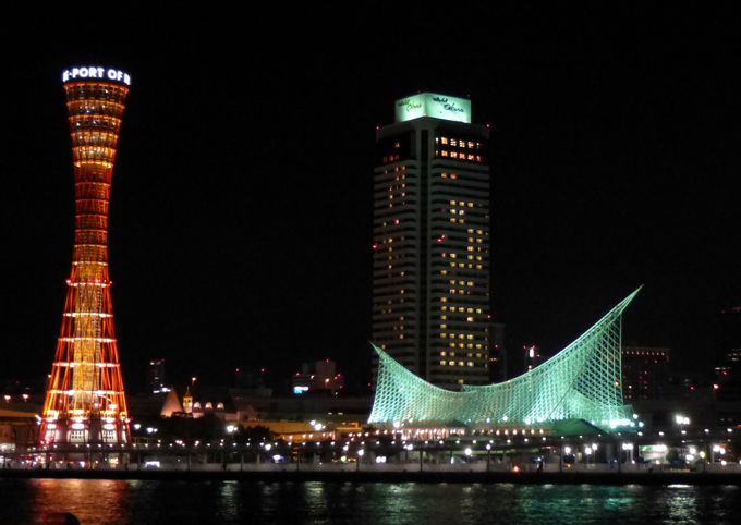 「神戸といえばこの夜景」。まずはハーバーランドからスタート。