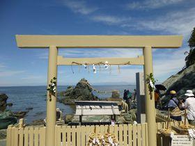 夫婦岩と二見興玉神社~伊勢神宮の前に済ませたい「浜参宮」|三重県|トラベルjp<たびねす>