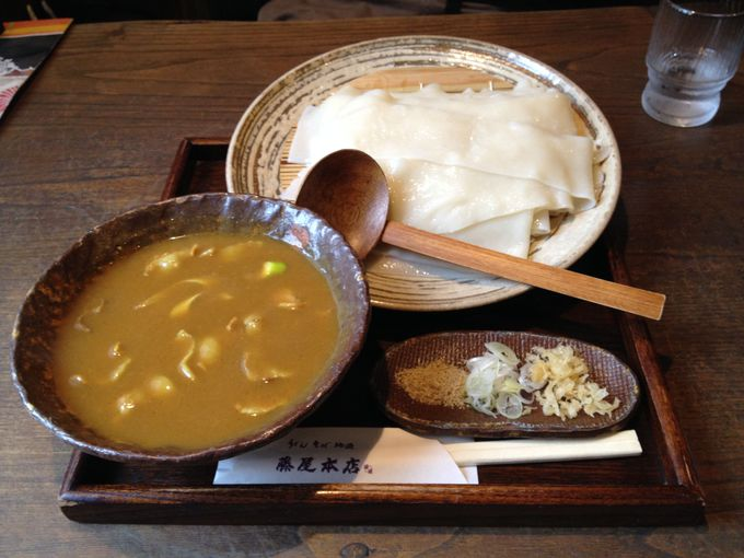 「藤屋本店」にて、桐生名物「ひもかわ」を食す。