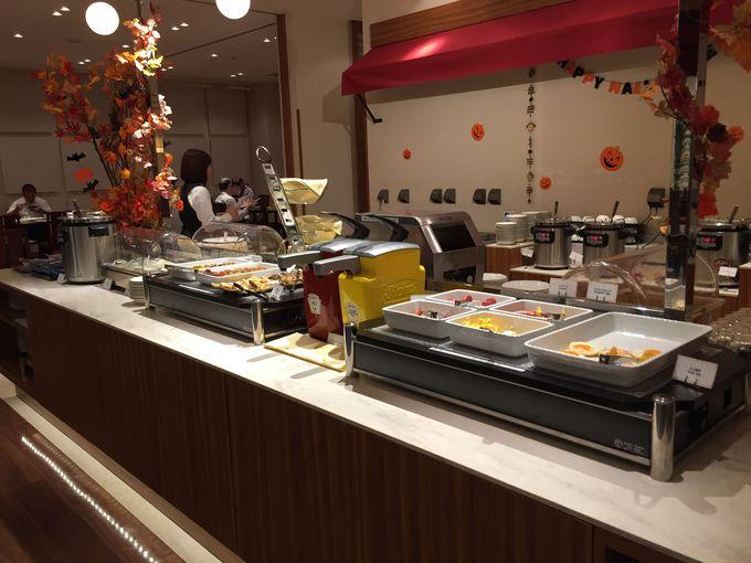 朝食は和洋ビュッフェスタイル。朝からしっかりパワーチャージ!