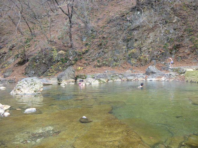 川全体が温泉!秘湯「尻焼温泉」で野趣あふれる温泉を堪能