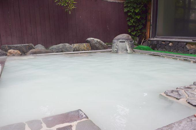 大浴場の奥には開放的な露天風呂