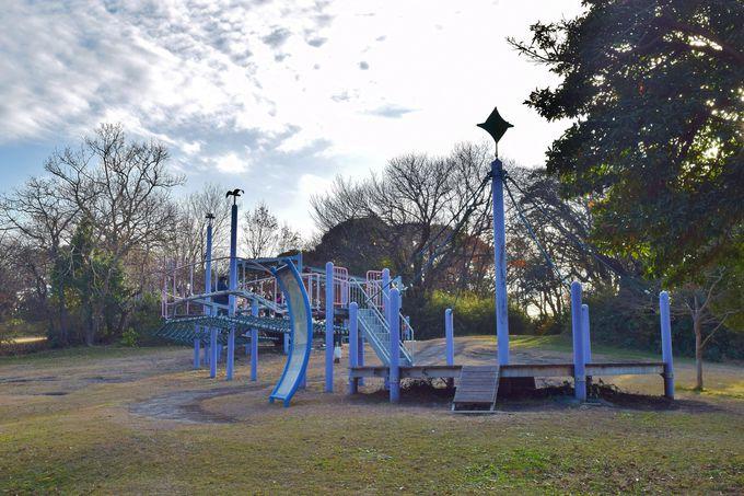 広い園内はマップで確認。子供はアスレチックやロング滑り台をまずチェック!