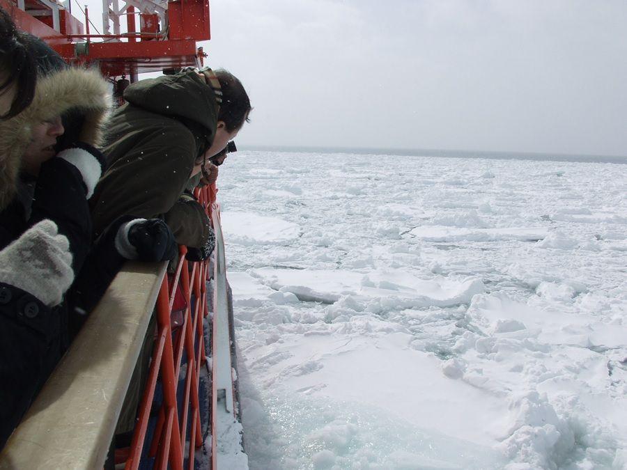 観光船も流氷ウォークも!冬の北海道は「流氷」観光でキマリ