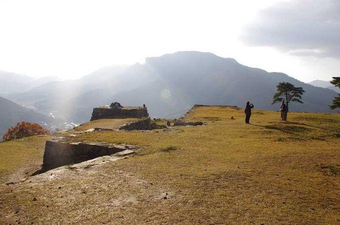 日本のマチュピチュが兵庫に!雲海に浮かぶ天空の城「竹田城」