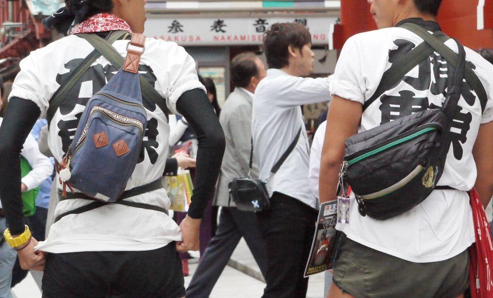 浅草でマッスルなイケメンに運んでもらいましょう!