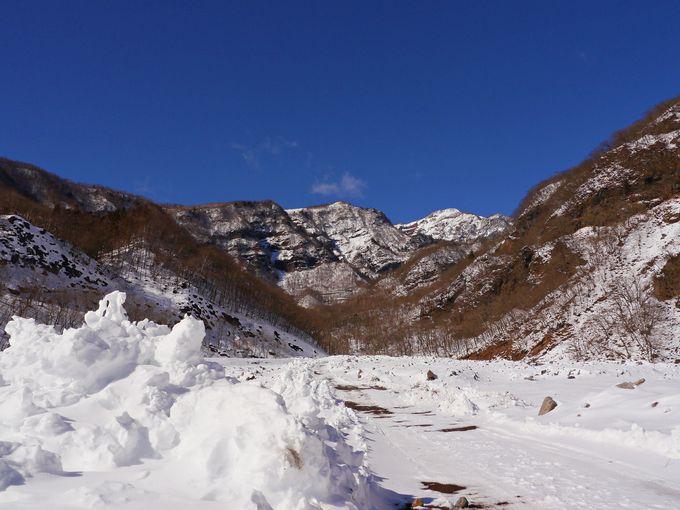 女峰山と赤薙山に抱かれ育まれる景観