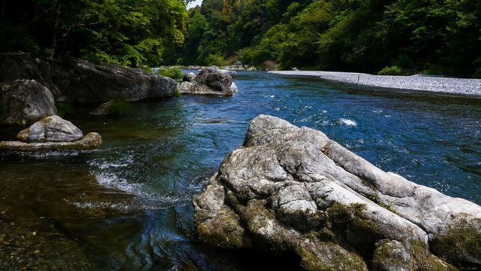 御岳渓谷の水遊び