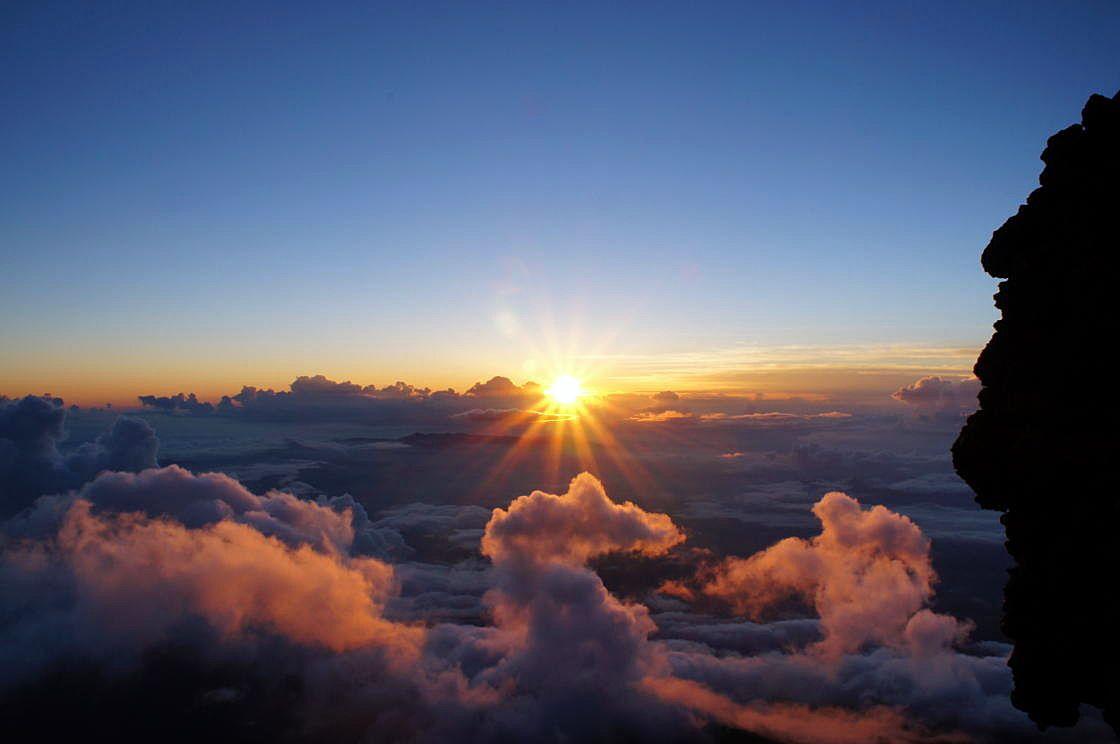 富士登山は絶景の宝庫!一度は見たい感動的な風景5選!