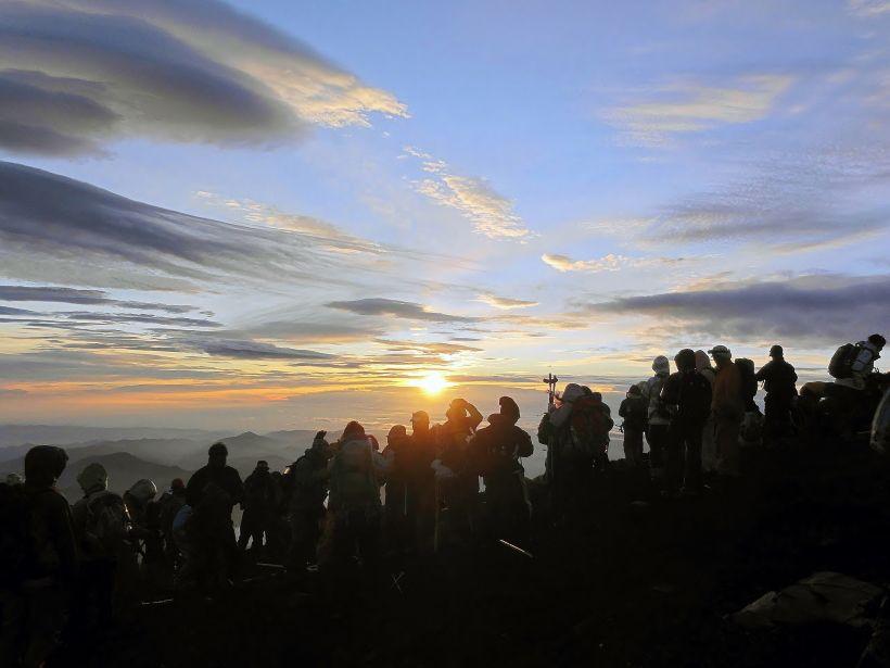 初心者にお勧め!山梨県側・吉田ルートで夏の富士登山!