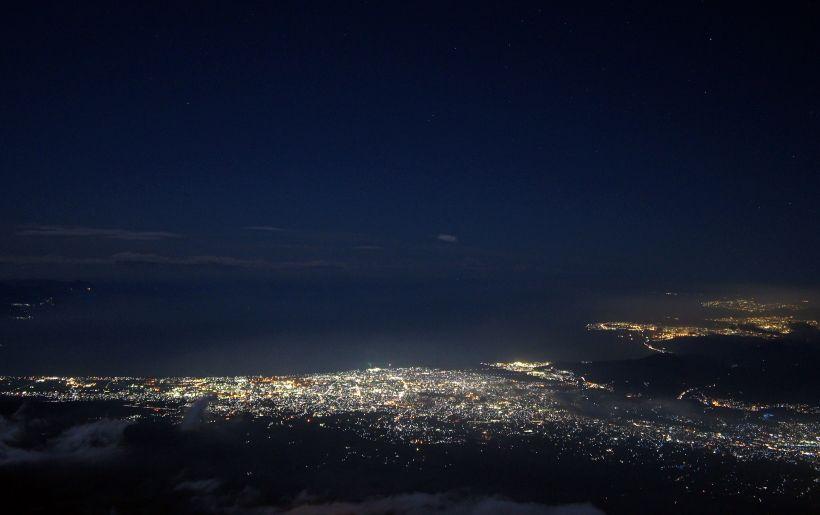 駿河湾を見下ろすダイナミックな眺めが魅力!